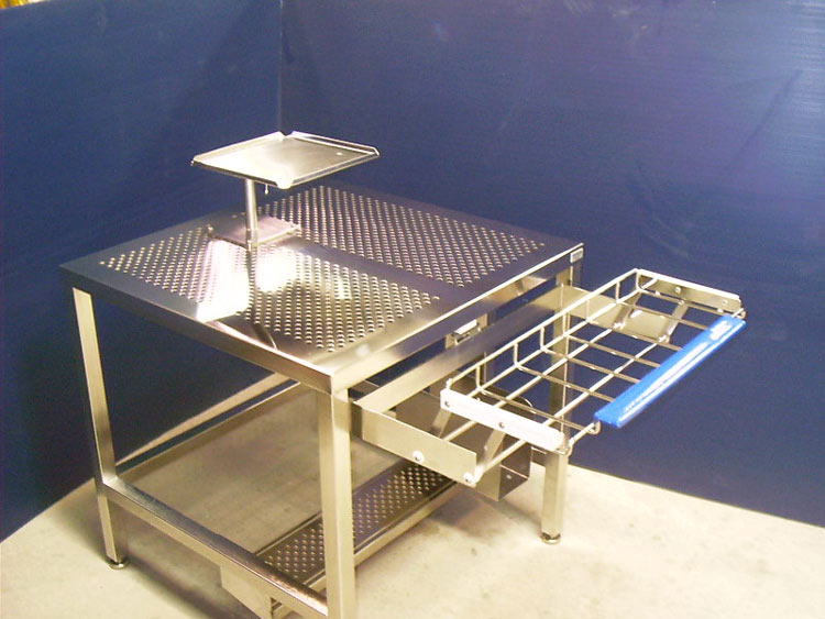 cleanroom-workstations-built-to-specs