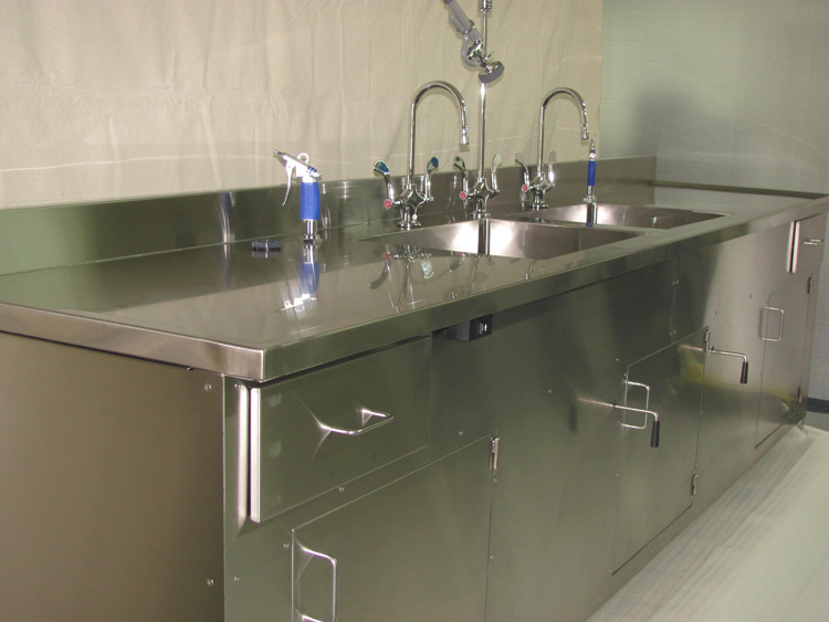 custom-stainless-steel-sink-fabrication-for-manufacturing-facilities