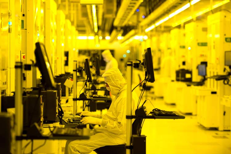 custom-workstations-and-products-for-semiconductor-facilities