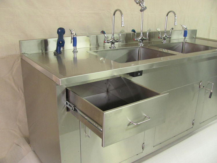 stainless-steel-sinks-for-cleanroom-and-manufacturing-facilities